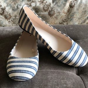 Shoes - Like New Blue and Cream Flats